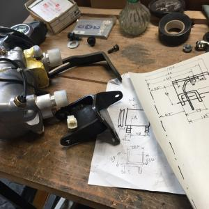 コンプレッサーブラケットの製作