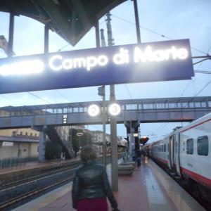 フィレンツェのカンポディマルテ駅から歩いて、、、