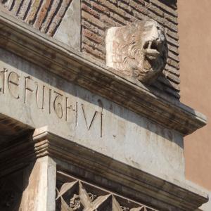 同時テロにあったローマの教会と出会った猫