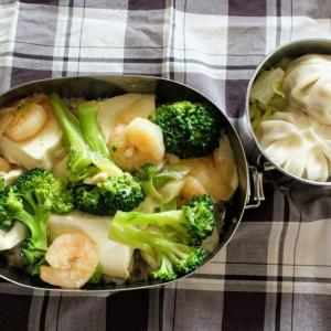 海老と豆腐のうま塩中華あん と 小籠包。