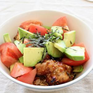 アボチキ照りマヨ丼 と れんこんと貝柱のサラダ。