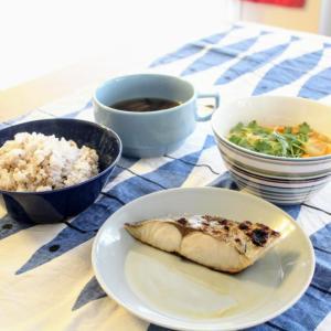 ひらす昆布白醤油漬焼き と 豆腐のかき玉あん/磯のり汁。