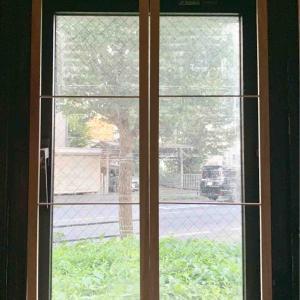 アトリエ窓枠改造*枠組み~モールディング貼り*