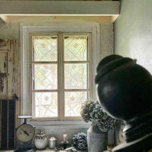 窓枠改造*挫折…そして微妙な変化*