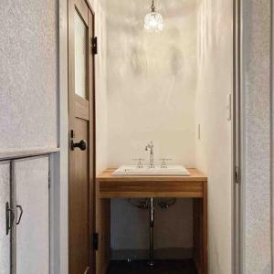 新居リノベ~洗面所の壁塗り*