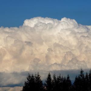 雲が湧いた日…