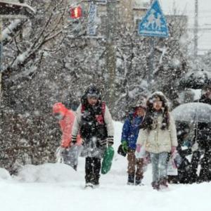【緊急】北海道、親の仇かというくらい雪が降ってくる!!!