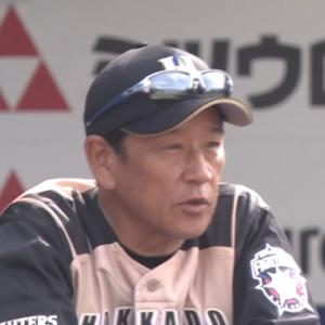 【朗報】日ハム栗山監督、試合後にコントを披露