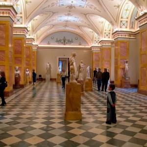 美術館(半日潰せます、1000円です、静かです)若者に流行らない理由