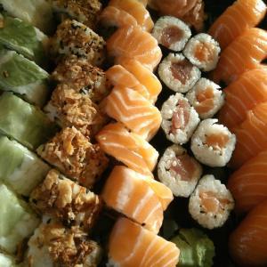 Restaurant Me & You sushi@la Crau 美味しい寿司屋さん@南仏