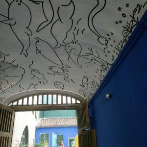 Tunnel bleu @ TOULON 青いトンネルと中庭 &アートな散歩