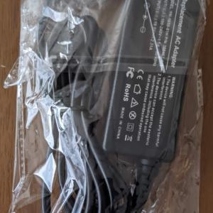 「Venue 11 Pro 7140」用ドックK10A用のACアダプタが届いた