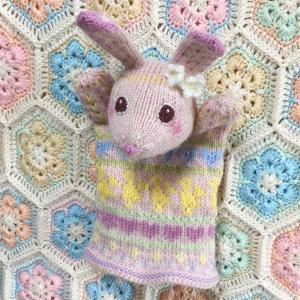 編み込みうさぎのパペット