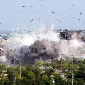 [速報]北朝鮮、南北共同連絡事務所爆破の瞬間画像を公開! 韓国の反応