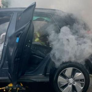 韓国人「また現代自動車の電気自動車が炎上!」電気自動車「コナ」から充電中に火災が起こる 韓国の反応