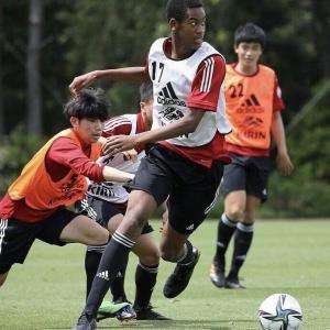 【動画あり】韓国人「日本にとんでもない肉体をしたサッカーU15国家代表が現れる‥」日本に登場した15歳ミッドフィールダーに列島が大興奮! 韓国の反応