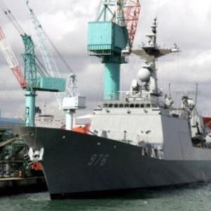 韓国人「先進国韓国が、アフリカから入港を拒否される!」史上最悪のコロナ集団感染事態(確定率90%)の軍艦がそのまま放置される‥ 韓国の反応