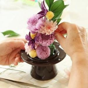 新しいお仏花にお取替えです ~レッスンより~