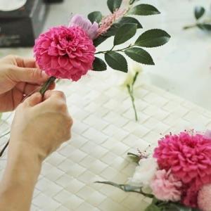 珍しいピンクのお仏花 レッンより