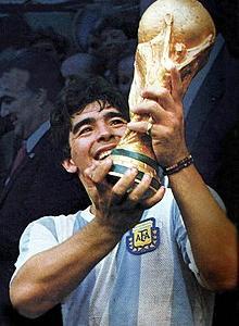 【追悼】サッカーの超天才・・・マラドーナ。