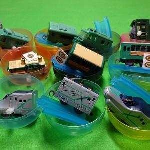 カプセルプラレール 特別番外編 颯爽とかける緑の列車スペシャル 全10種のカプセルを開封