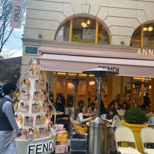 「新しい一歩」、FENDIカフェ、伊勢丹キッチンステージ、おぐ羅など外食、おウチご飯、ツリー