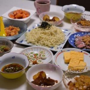 夕飯は、蕎麦にパスタ、肉・・・