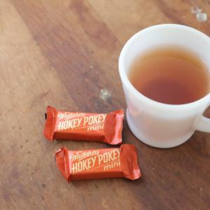 世界のチョコレート NZの定番&大人気のホッキーポッキーが入りチョコレート by ウィッタカーズ