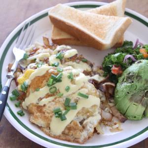 トレーダージョーズの冷凍食品 豪華な変わり種ハッシュブラウンで、ニンマリ朝ごはん