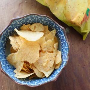 フィリピン土産 カルビーからも出たアジアで大人気のソルテッドエッグ味のポテチ