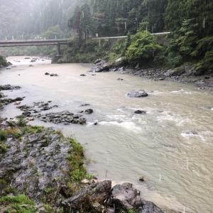 豪雨のため放流があり釣行不可になりました
