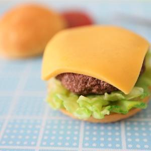 【制作過程】数年前に止まっていたパーツでハンバーガー、どんどん具だくさんに