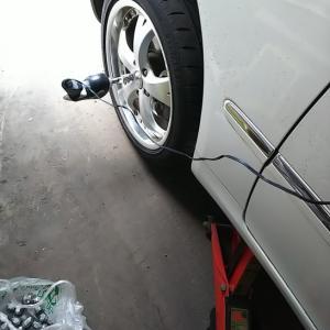 タイヤ交換だが・・