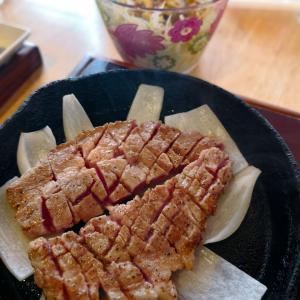 「豚ステーキ専門店 かっちゃん」どうしても十一と比べてしまう店で豚ステーキ、どちらも美味しいよ。