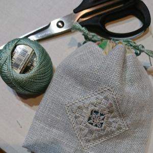 ハーダンガー刺繍で巾着を