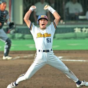 レギュラー野手なのに背番号大きい奴www