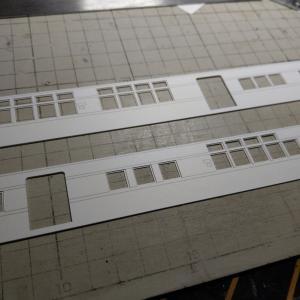 屋根板と側板を切り離して、特徴を表現しよう!