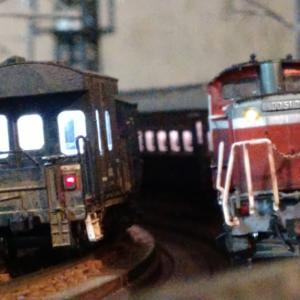 明るいライトにふと思ったこと・北海道の列車たち