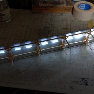 蛍光灯っぽい「線点灯」をいかにして再現するか?