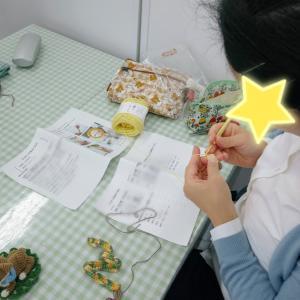 素敵なオリジナルあみぐるみを編む生徒さん♪