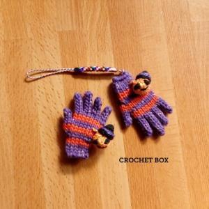 新商品のハロウィンカラー♠ミニチュア手袋の ブローチとストラップが仕上がりました。