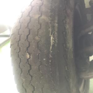 タイヤの片減り