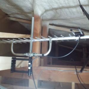 今日午前は、広島県安芸郡へ地デジローチャン屋根裏受信BSCS4K8Kアンテナ工事にお伺いしました~(^^♪