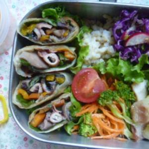 イカと野菜春巻きのお弁当