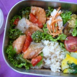 鮭とブロッコリーの味噌マヨお弁当