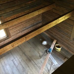 ログハウス、内壁が整いました/ The Interior Walls Are Done At The Log Cabin