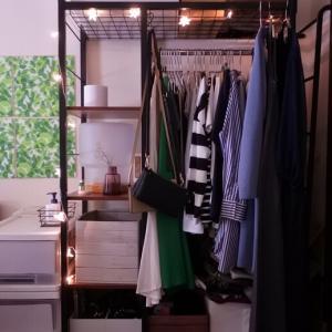 寝室兼ワードローブ室の模様替え/デスクを設置