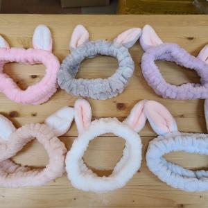 ウサギの耳ヘアバンド