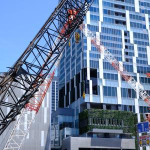 渋谷再開発と山手線の側面グラデーション