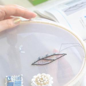リーフブローチ♪オートクチュール刺繍